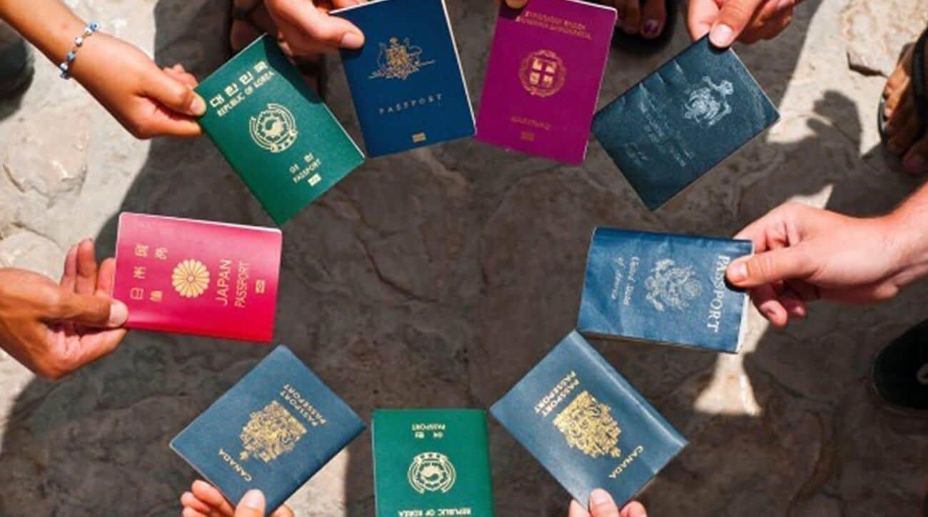 Des passeports de plusieurs pays